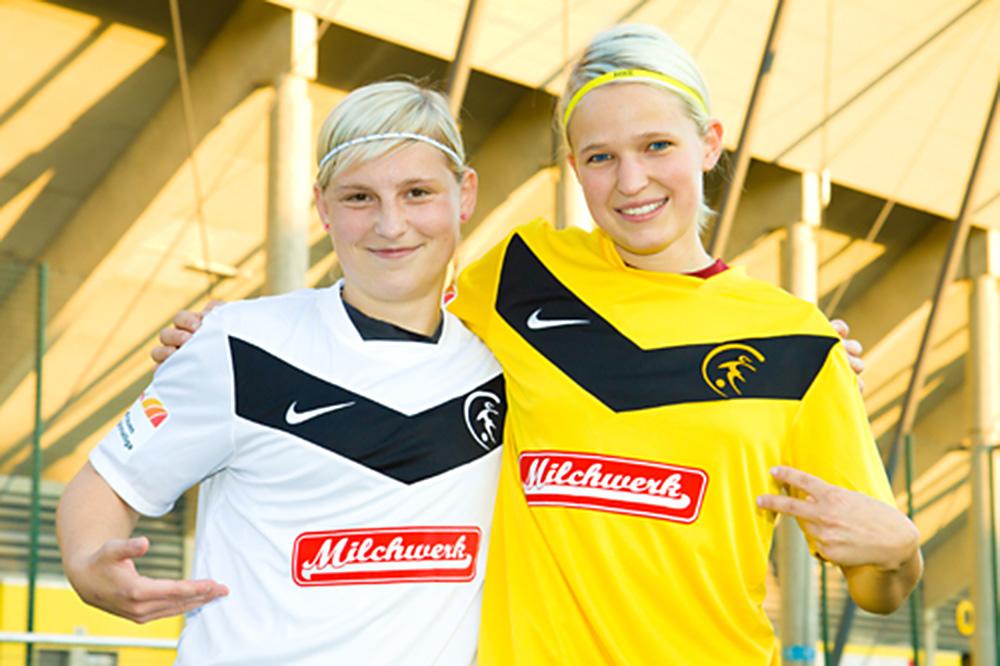 Die Fußballdamen beim Fotoshooting